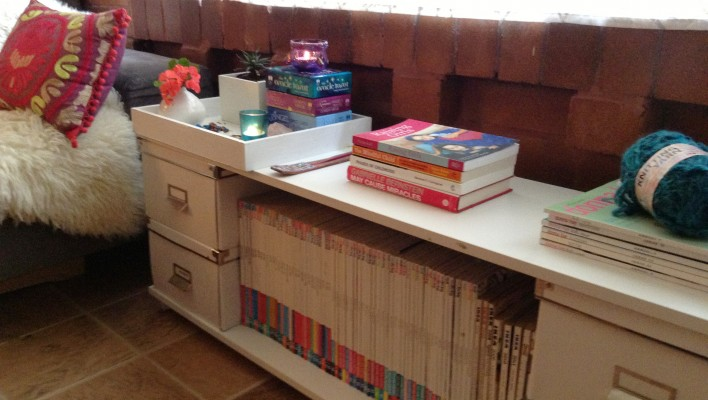 "DIY- Temporary ""Coffe-Book"" Table"